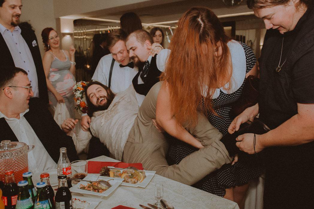 Ewa i Bartek, ślub słowiański, Art Impression House 103