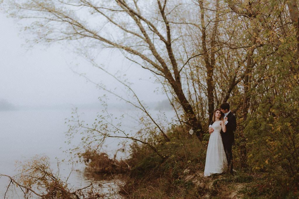 Paulina i Karol, plener jesienny w sukni Anna Kara i swetrze 6