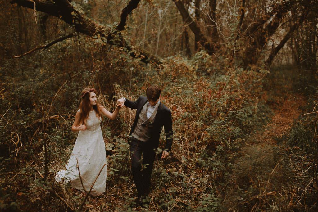 Paulina i Karol, plener jesienny w sukni Anna Kara i swetrze 8