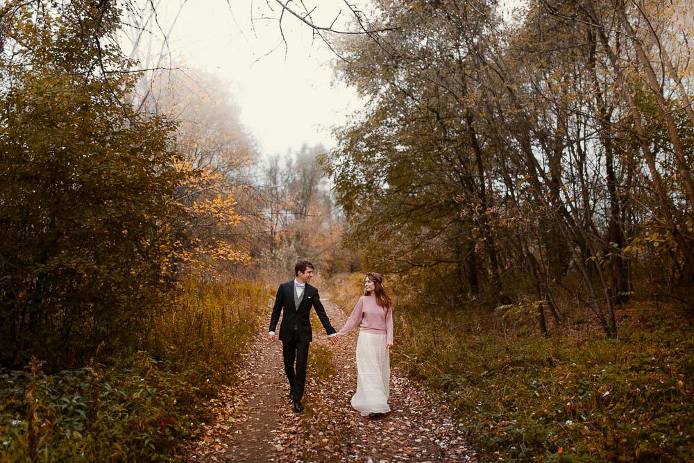 Paulina i Karol, romantyczny plener jesienny w sukni Anna Kara i swetrze 26