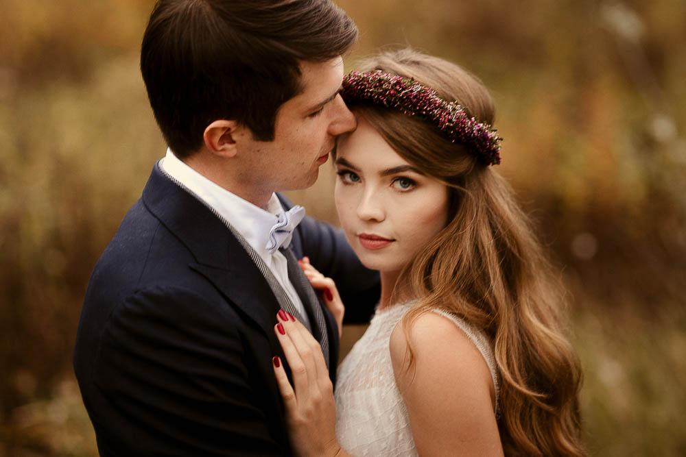 Paulina i Karol, romantyczny plener jesienny w sukni Anna Kara i swetrze 38