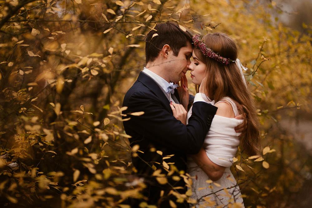 Paulina i Karol, romantyczny plener jesienny w sukni Anna Kara i swetrze 42