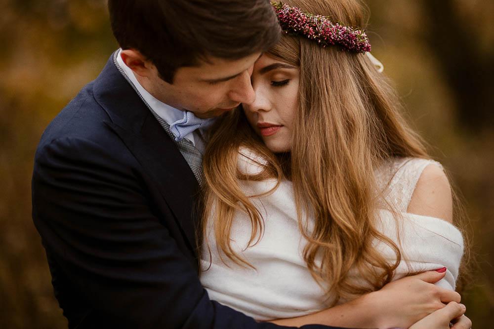 Paulina i Karol, romantyczny plener jesienny w sukni Anna Kara i swetrze 45