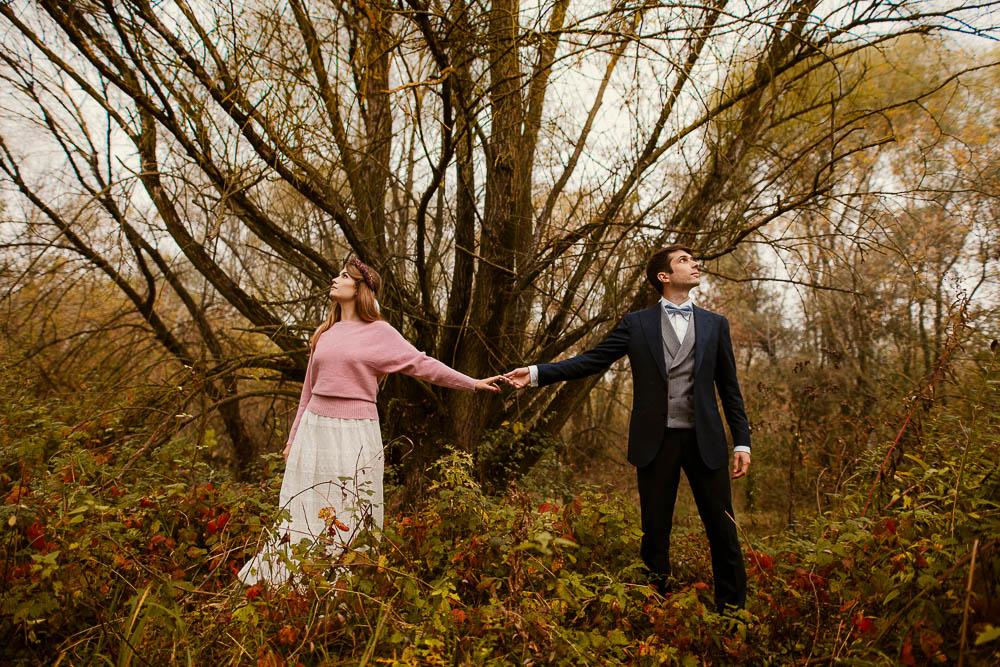 Paulina i Karol, romantyczny plener jesienny w sukni Anna Kara i swetrze 30