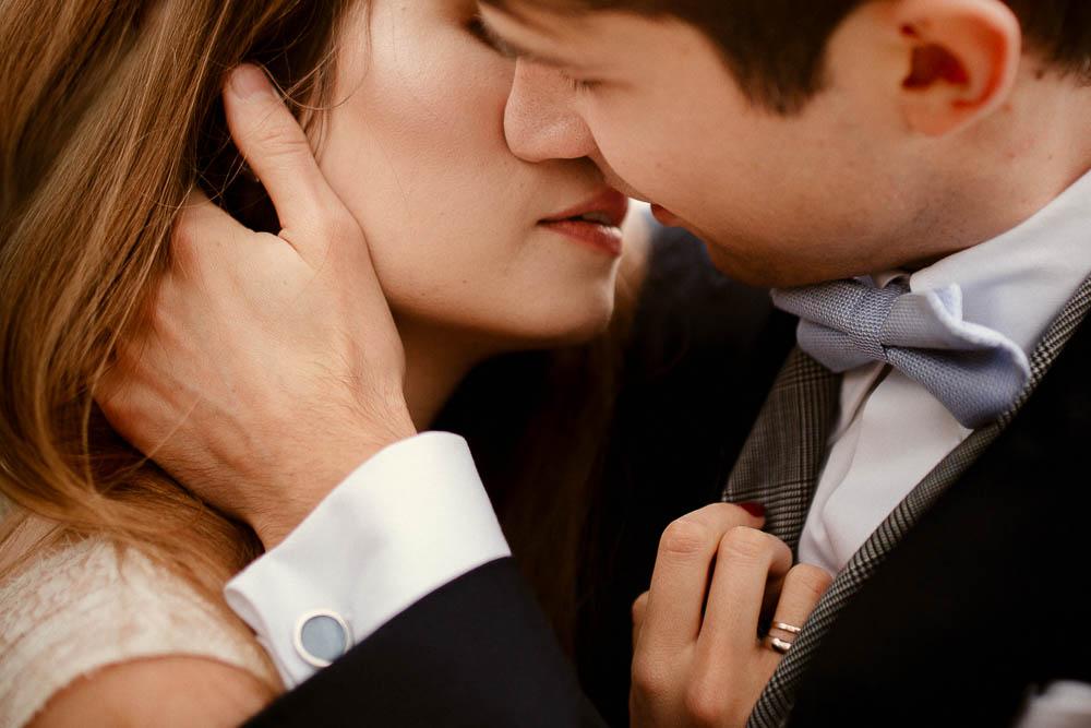 Paulina i Karol, romantyczny plener jesienny w sukni Anna Kara i swetrze 33