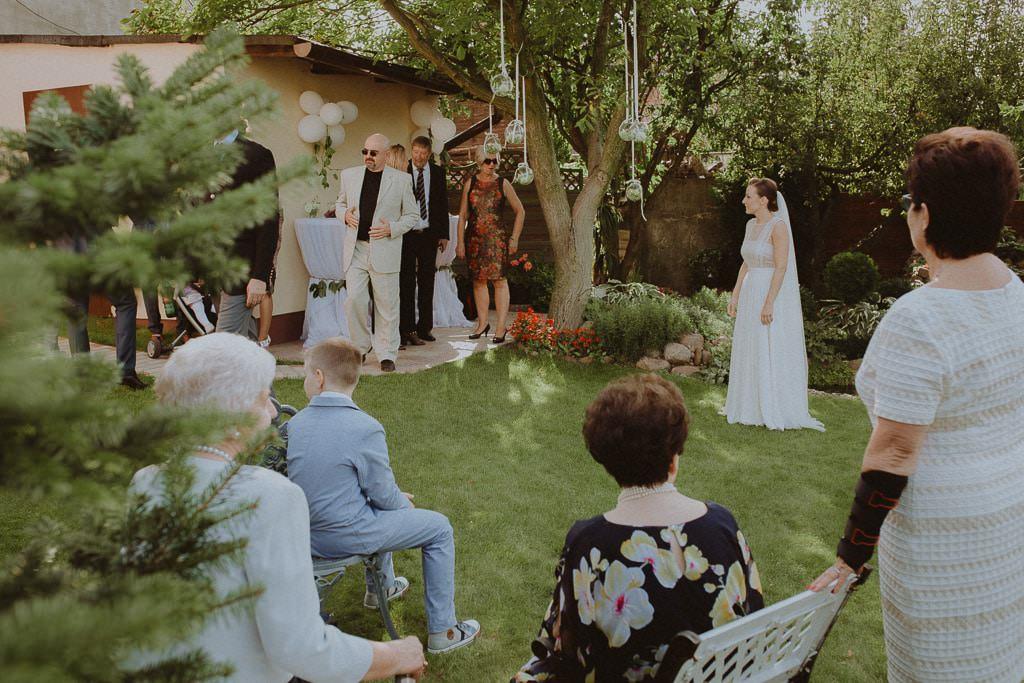 Marta i Tomasz - rustykalny ślub z aniołami, Kalisz 14