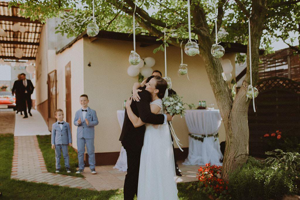 Marta i Tomasz - rustykalny ślub z aniołami, Kalisz 19