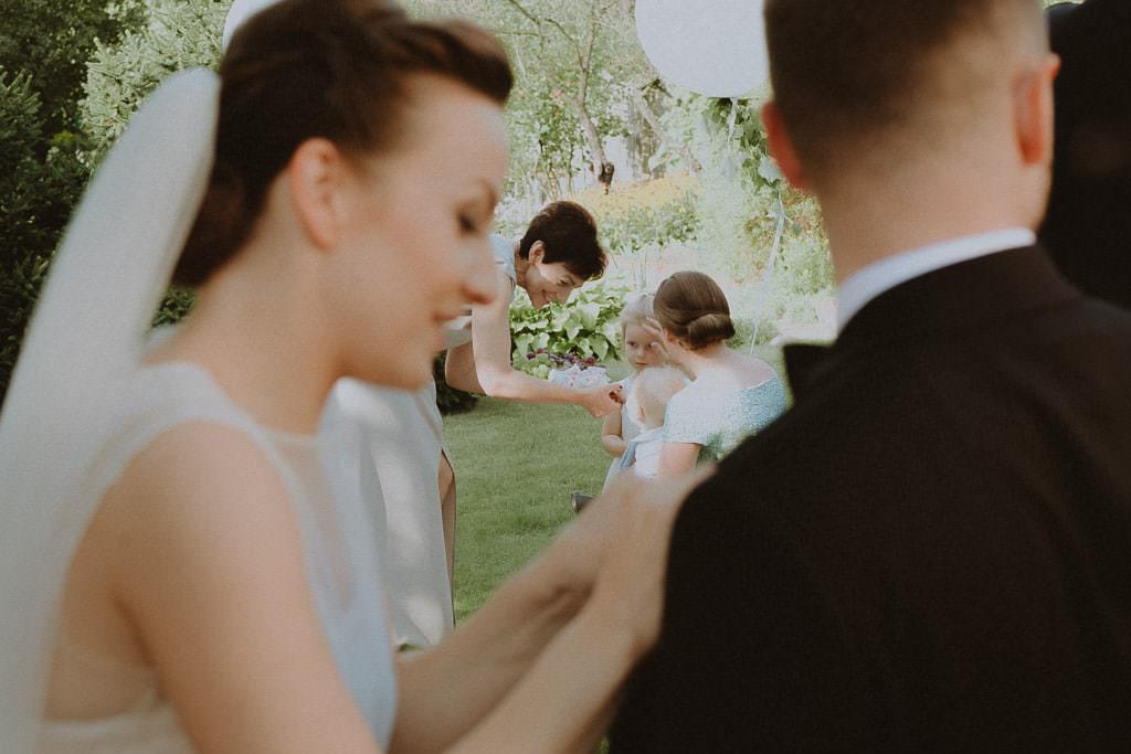 Marta i Tomasz - rustykalny ślub z aniołami, Kalisz 24