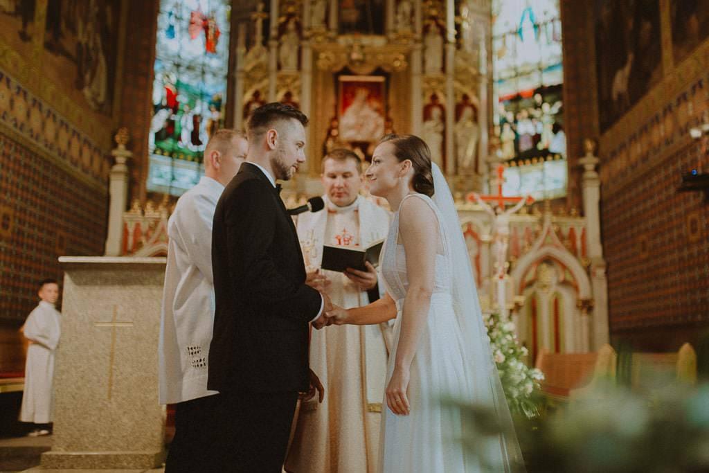 Marta i Tomasz - rustykalny ślub z aniołami, Kalisz 38