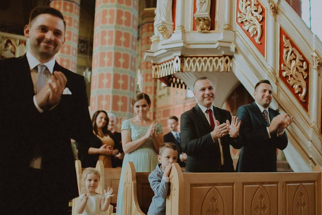 Marta i Tomasz - rustykalny ślub z aniołami, Kalisz 43