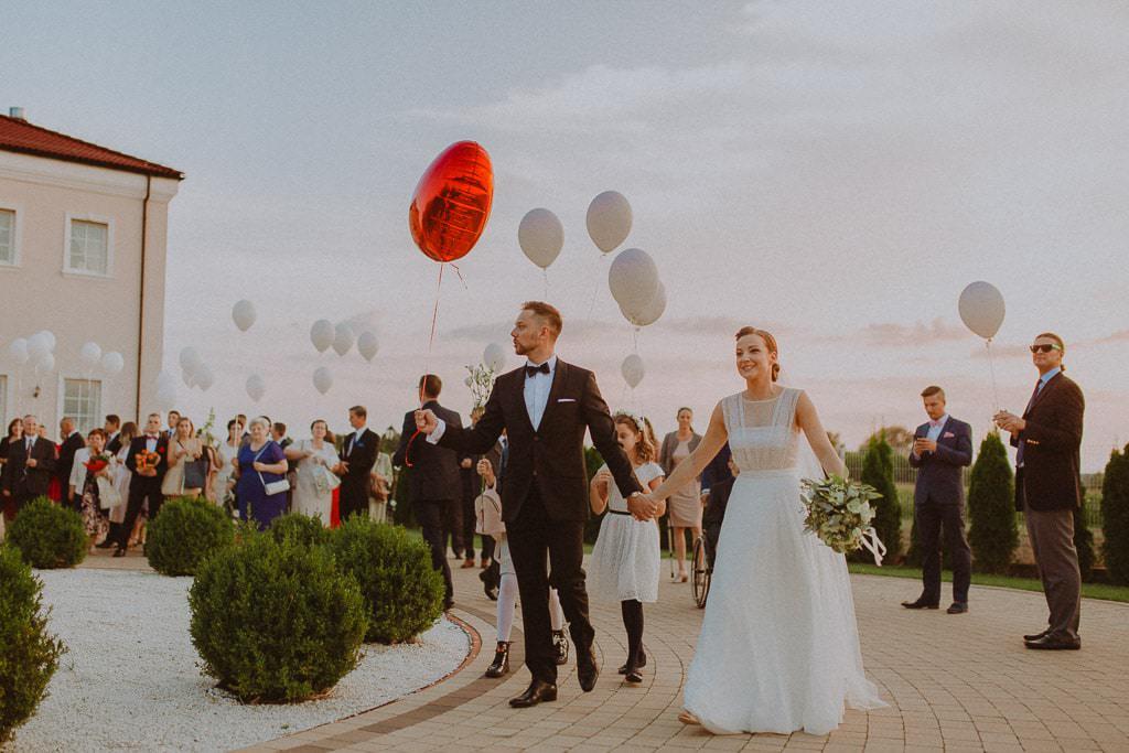 Marta i Tomasz - rustykalny ślub z aniołami, Kalisz 56