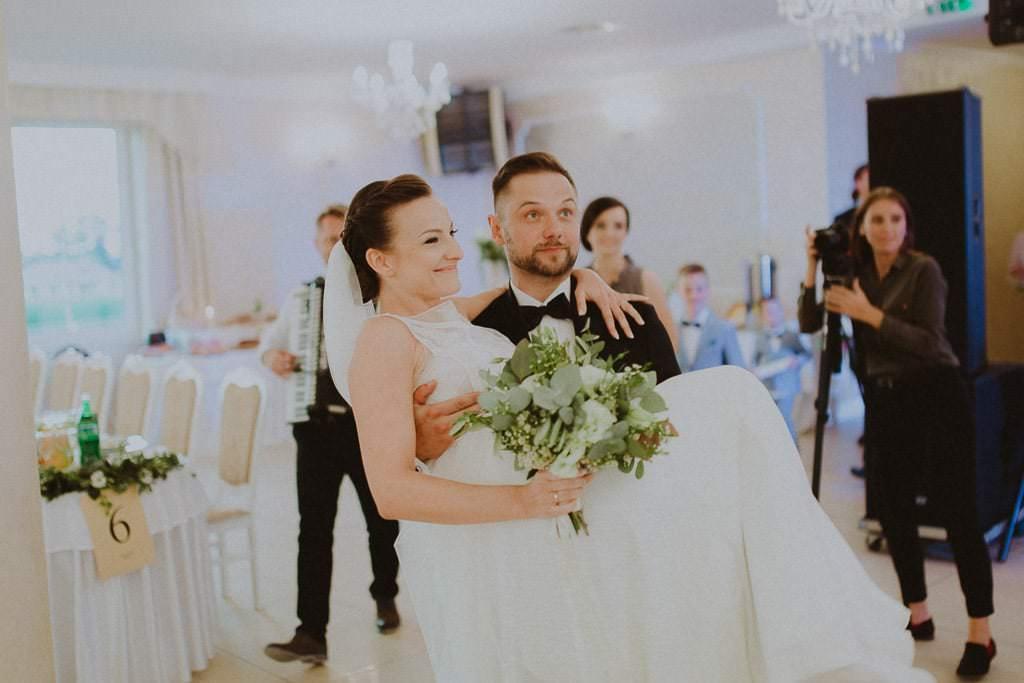 Marta i Tomasz - rustykalny ślub z aniołami, Kalisz 61