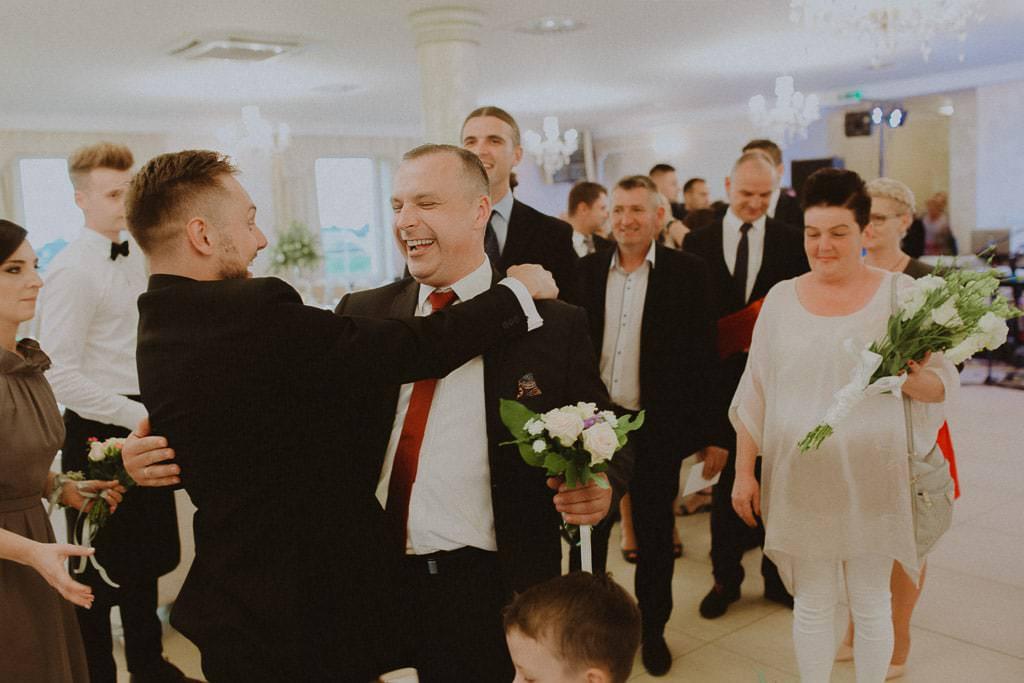 Marta i Tomasz - rustykalny ślub z aniołami, Kalisz 62