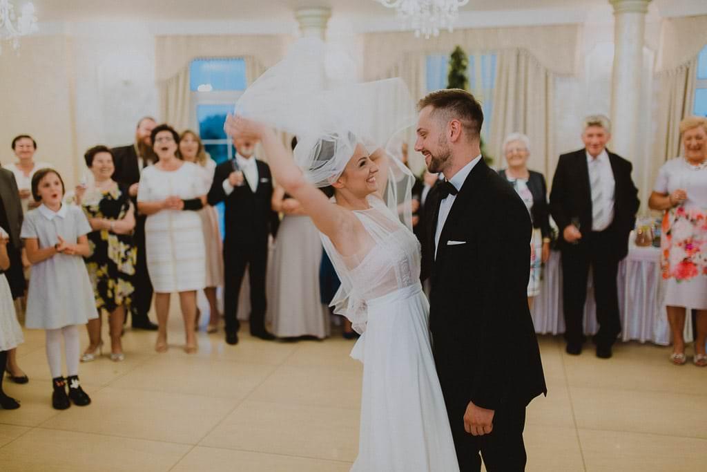 Marta i Tomasz - rustykalny ślub z aniołami, Kalisz 63