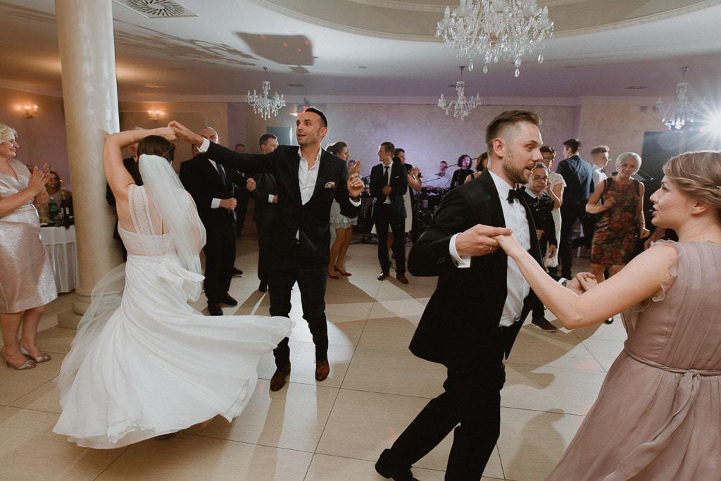 Marta i Tomasz - rustykalny ślub z aniołami, Kalisz 72