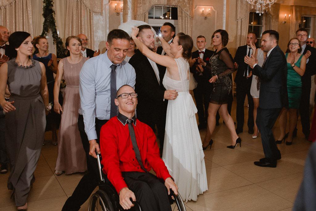 Marta i Tomasz - rustykalny ślub z aniołami, Kalisz 75