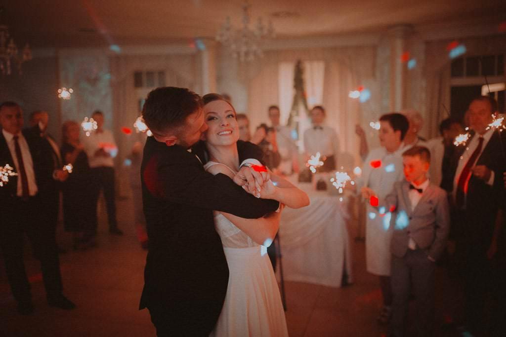 Marta i Tomasz - rustykalny ślub z aniołami, Kalisz 86