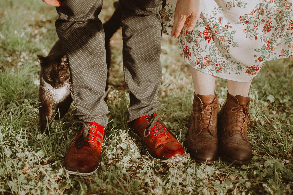 Miłosz i Natalia, sesja w sadzie, podwórzu i w wiejskiej chacie 39