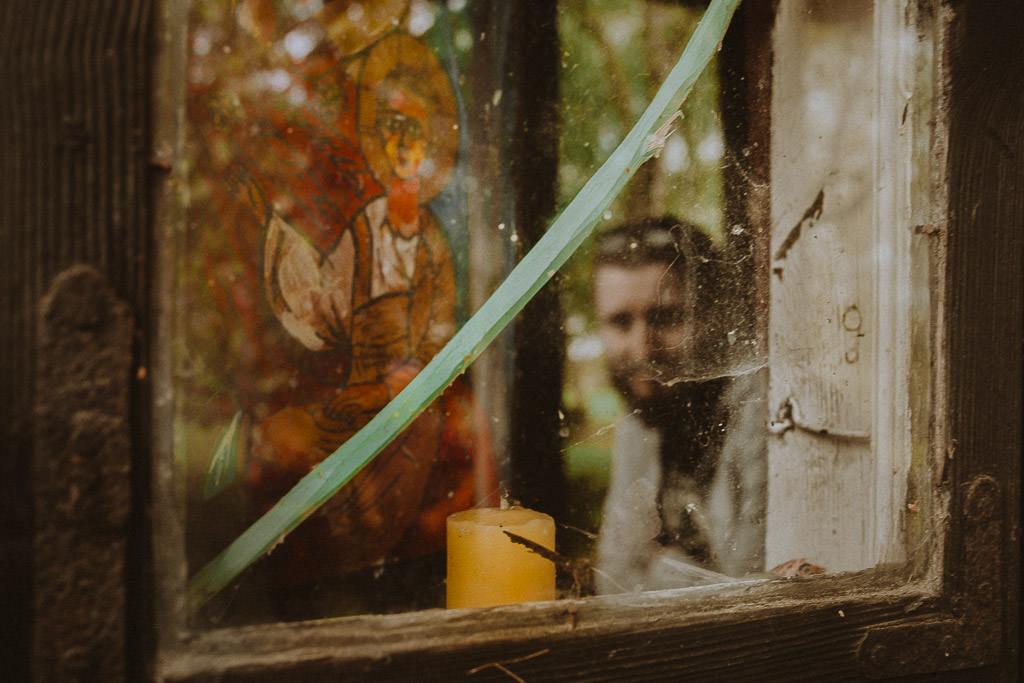 Miłosz i Natalia, sesja w sadzie, podwórzu i w wiejskiej chacie 65