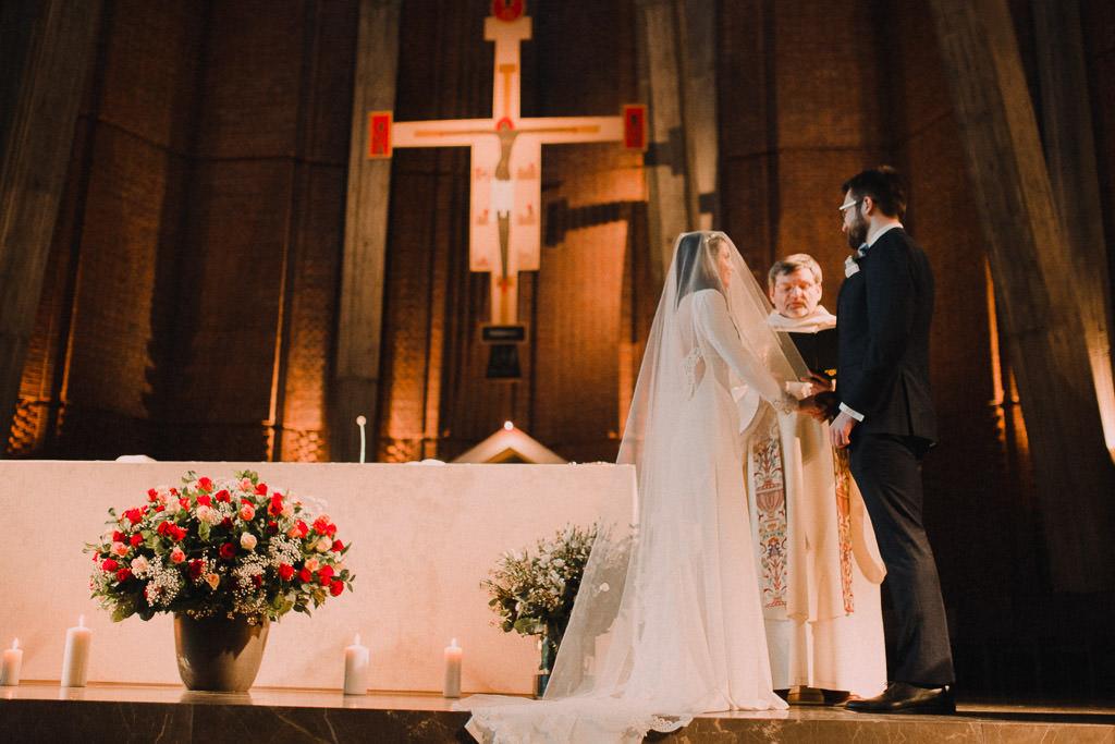 Jakub i Asia,  Zimowy ślub u Dominikanów + Stodoła wszystkich Świętych zwana Oczyszczalnią 124