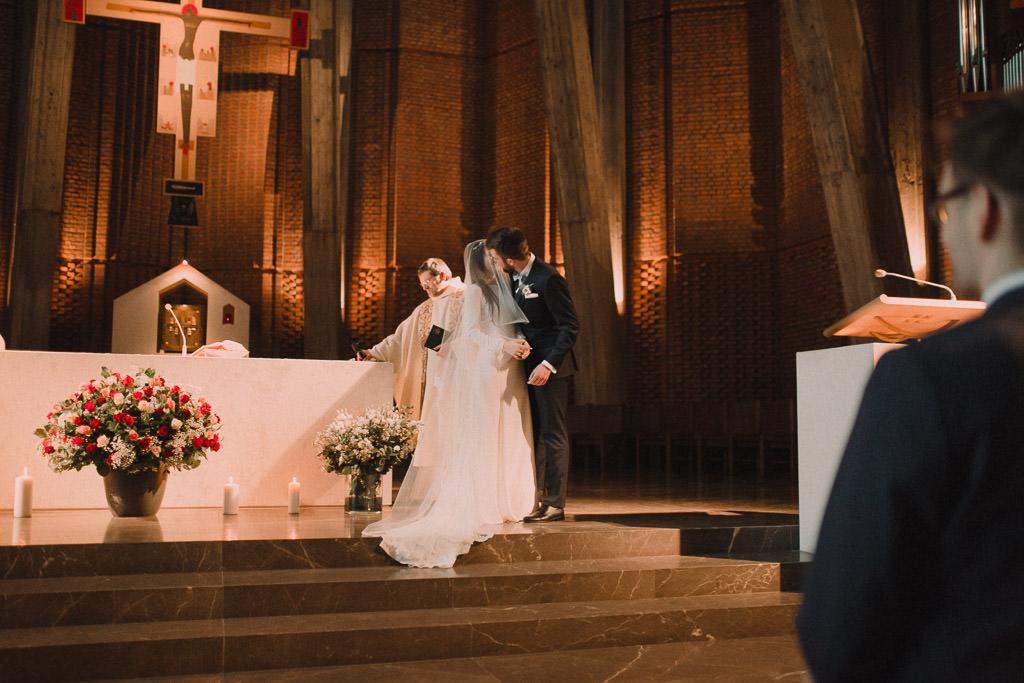 Jakub i Asia,  Zimowy ślub u Dominikanów + Stodoła wszystkich Świętych zwana Oczyszczalnią 127