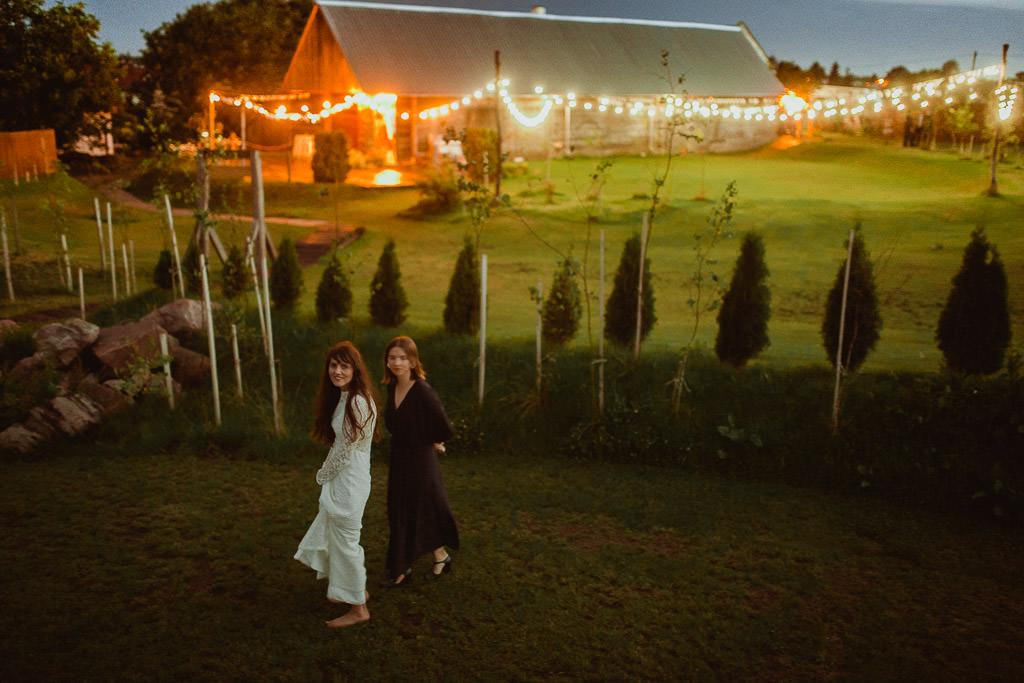 Klara + Kuba, Folwark Ruchenka Barn House, slow wedding i wesele w stodole 166