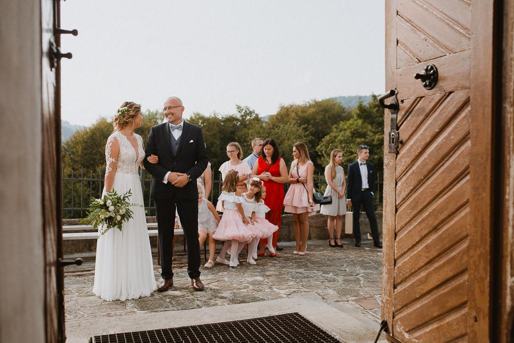 Michał + Angelika, rustykalny Ślub nad jeziorem 37
