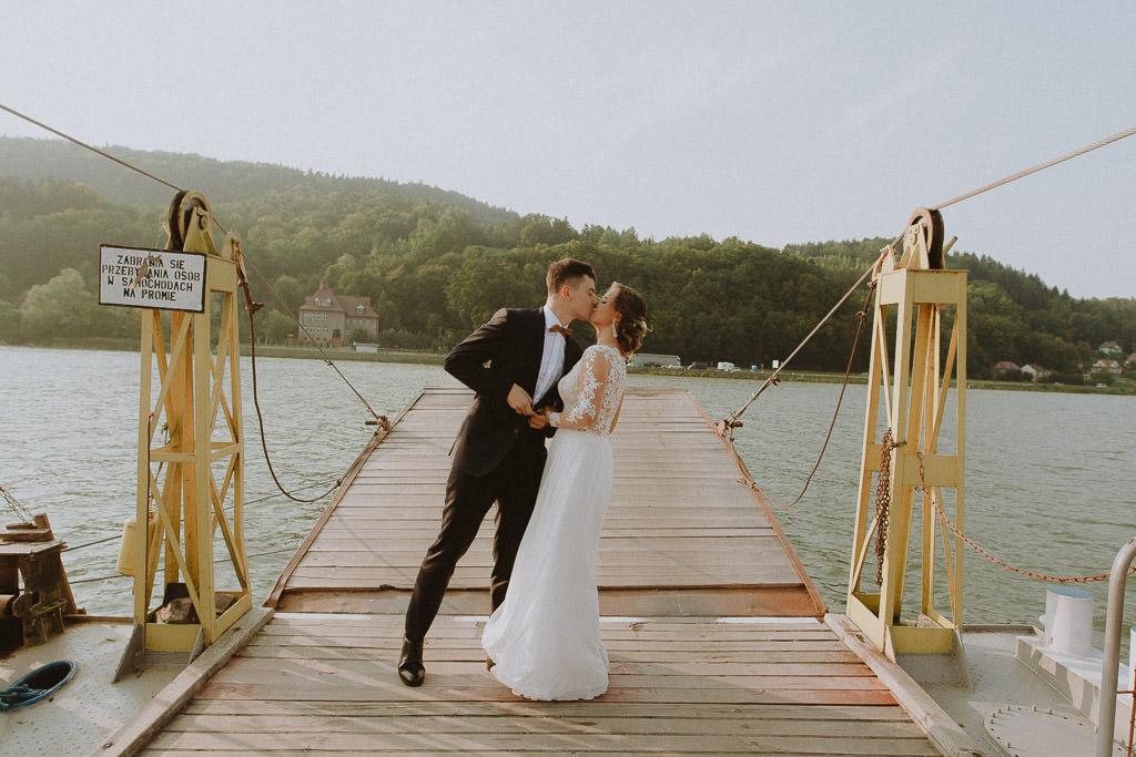 Michał + Angelika, rustykalny Ślub nad jeziorem 64
