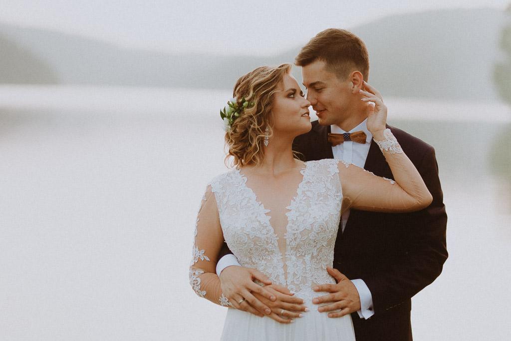 Michał + Angelika, rustykalny Ślub nad jeziorem 68