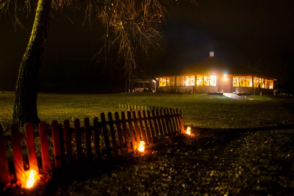 górki zielona sala w nocy