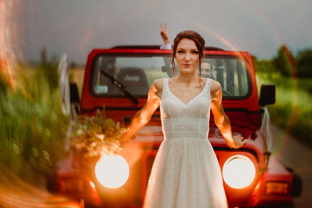 jeep wrangler ślub z motywem podróży